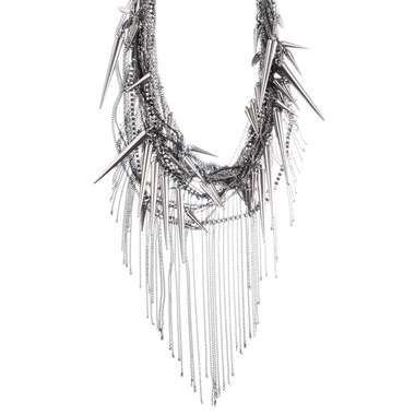 Love this Rocker Chic Chain & Spike Bib Necklace from Chloe + Isabel!    See this and more savvy gifts for girls this holiday!