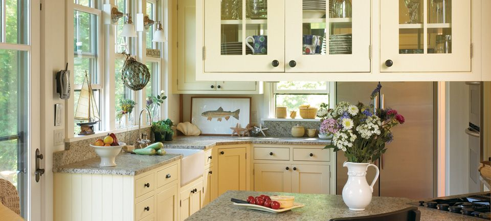 Shaker Kitchen Cabinets with Quaint Comforts
