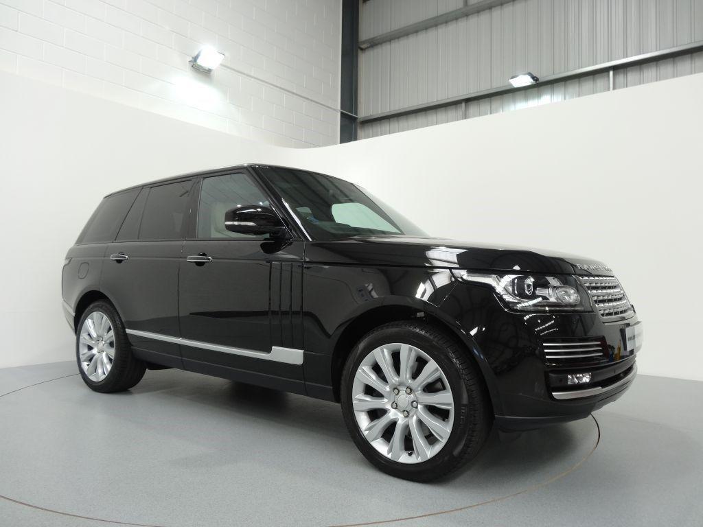 Range Rover 4 4 Sdv8 Vogue Se Finished In Santorini Black With Ivory Ebony Leather Interior