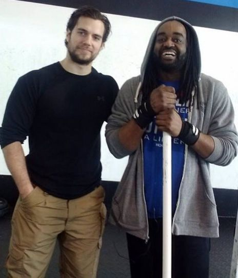NEW PIC: Henry Cavill poses w/fan at MI Crossfit event Saturday (photo: TZ Haywood). #ManofSteel #Superman
