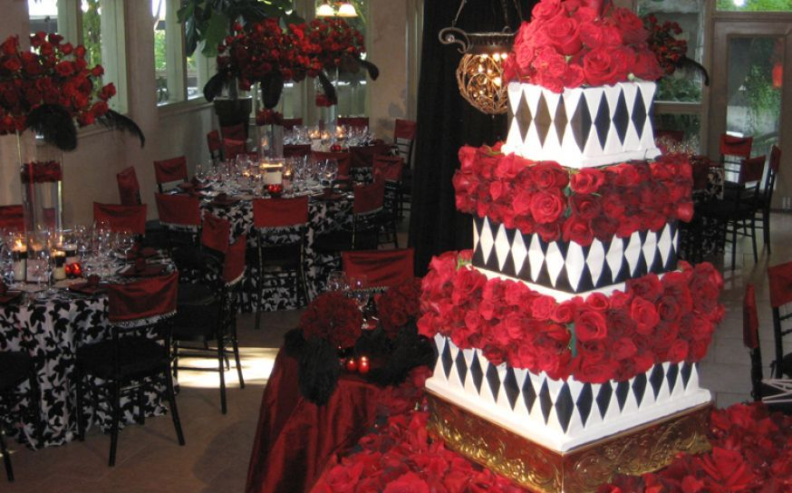 pic of black white and red wedding | Aileen Tran\'s take on a ...