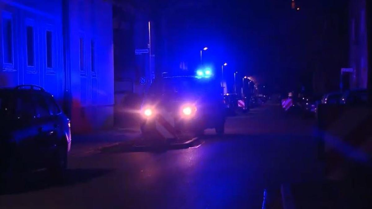 28-Jährige in Lebensgefahr: Mann schleift Frau an Strick hinter Pkw durch Hameln