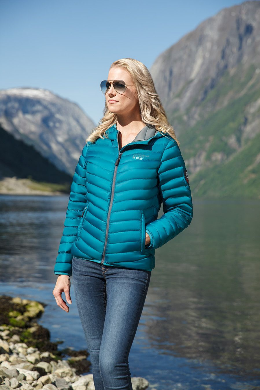 The Ocean Green Down Jacket By Scandinavian Explorer Is Available In Our Webshop Grab Yours Here Https Mallofnorway Com Women Jackets Coats Down Ultra Light