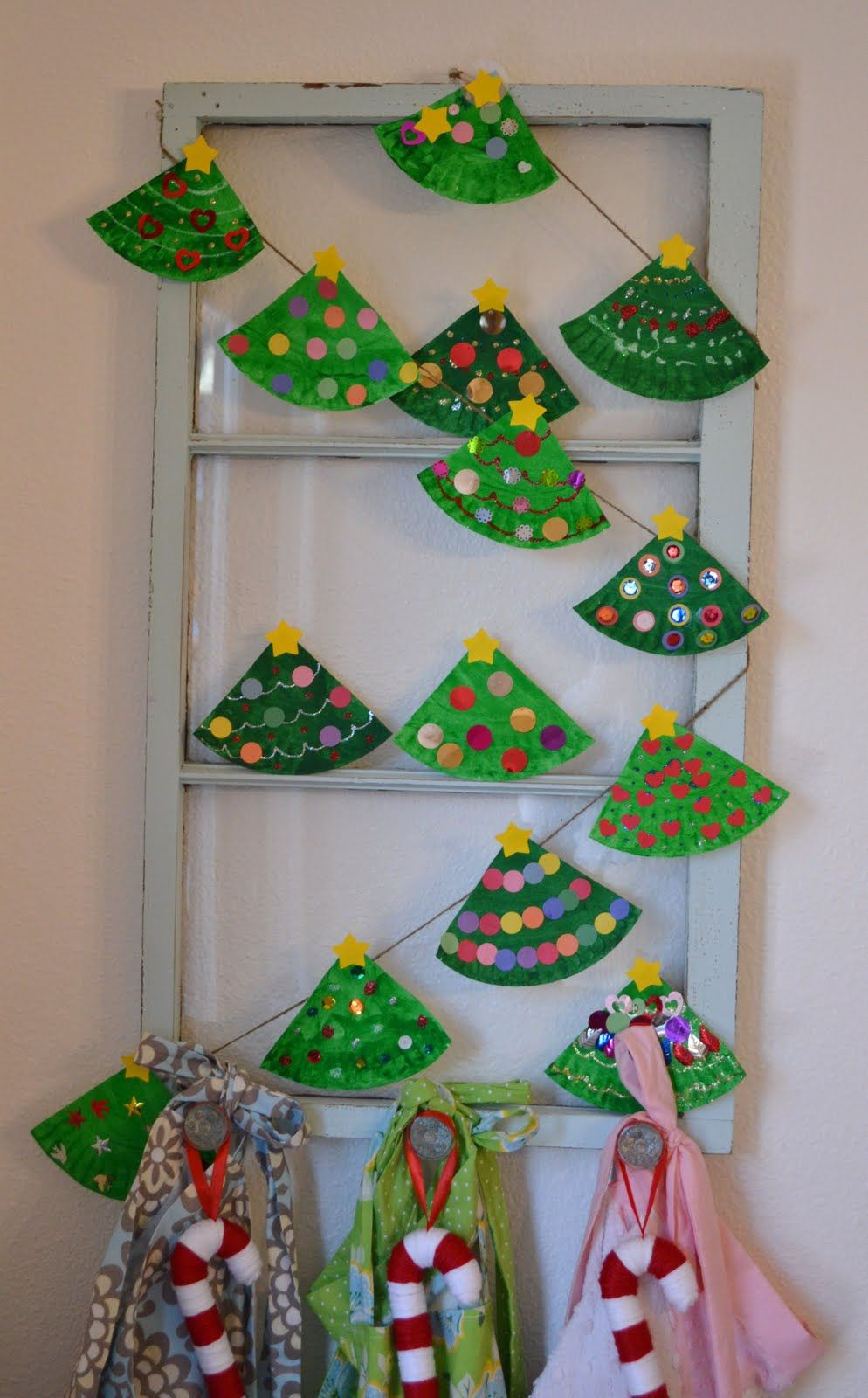Real Life, One Day at a Time: paper plate Christmas tree garland #sunflowerchristmastree