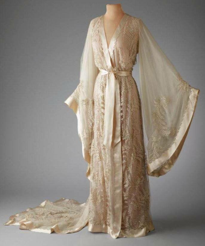 0b17af752c Vintage 1910s sleepwear More. Vintage 1910s sleepwear More Vintage Outfits