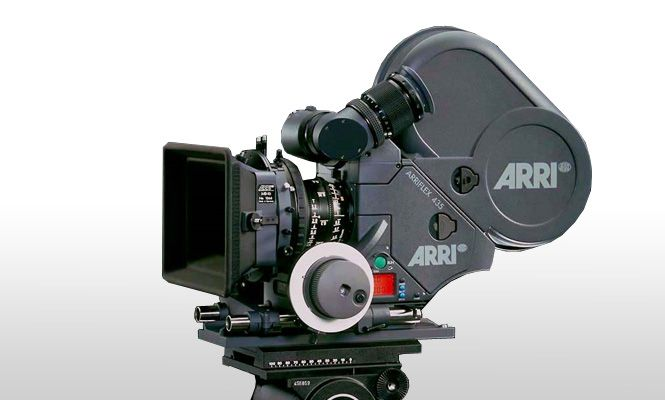 Arriflex 435es The Arri 435 Es Camera Is A High Speed Non Sync