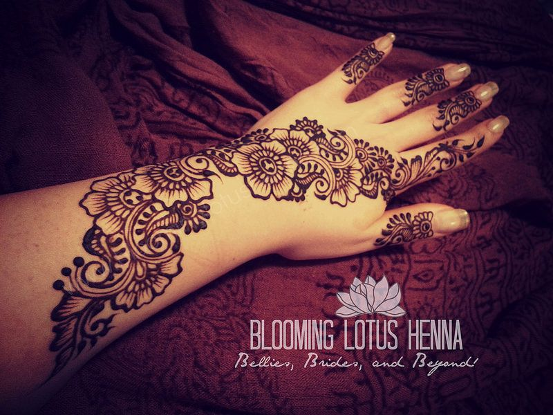 Finger Mehndi Art : Long floral henna strip w finger accents hennas lotus and