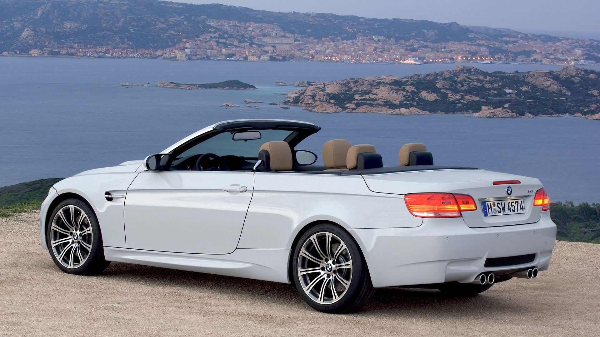 Bmw Mountain View >> Bmw M4 Convertible White Color And River Mountain View Bmw