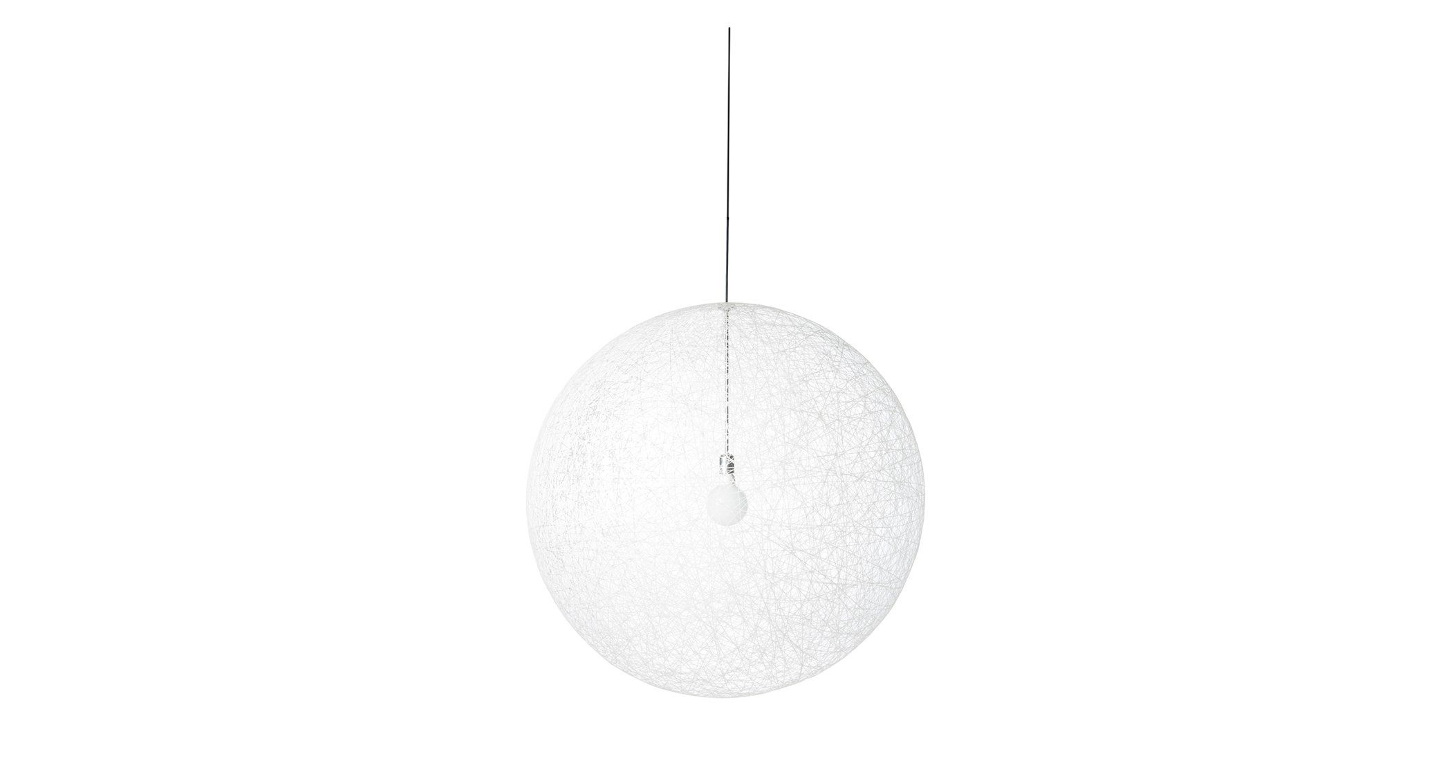 Random Light er designet af Bertjan Pot. Med sit næsten eventyrlige udtryksvæver denne pendel som et stort transparent garnnøgle fra loftet.