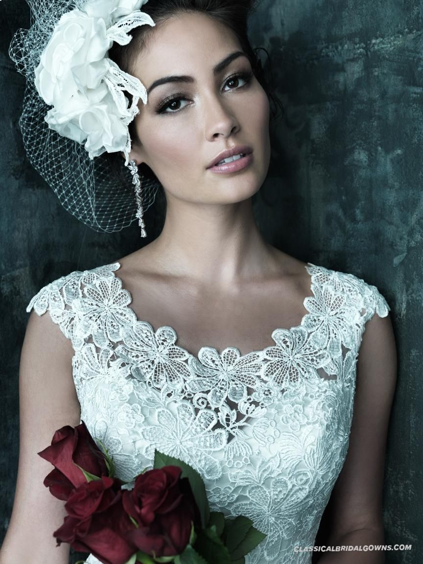 HOLLY VERY PRETTY VEIL HEAD PIECE AS WELL Allure Couture C249 ...