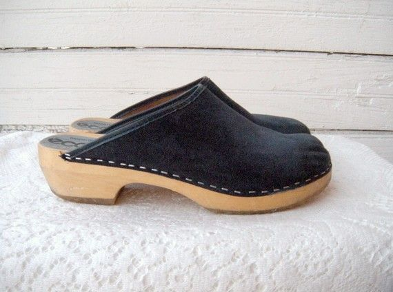 70s heels clogs sandals blue suede 8 as is