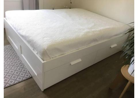 Queen Size Sealy Mattress With Box Spring Bicknell Used