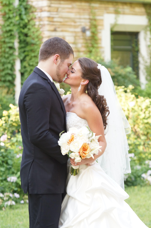 Weddings Weddingday Brideandgroom Weddingphotography Weddingphotos Weddinginspi Wedding Gifts For Groom Top Wedding Photographers Expensive Wedding Gifts