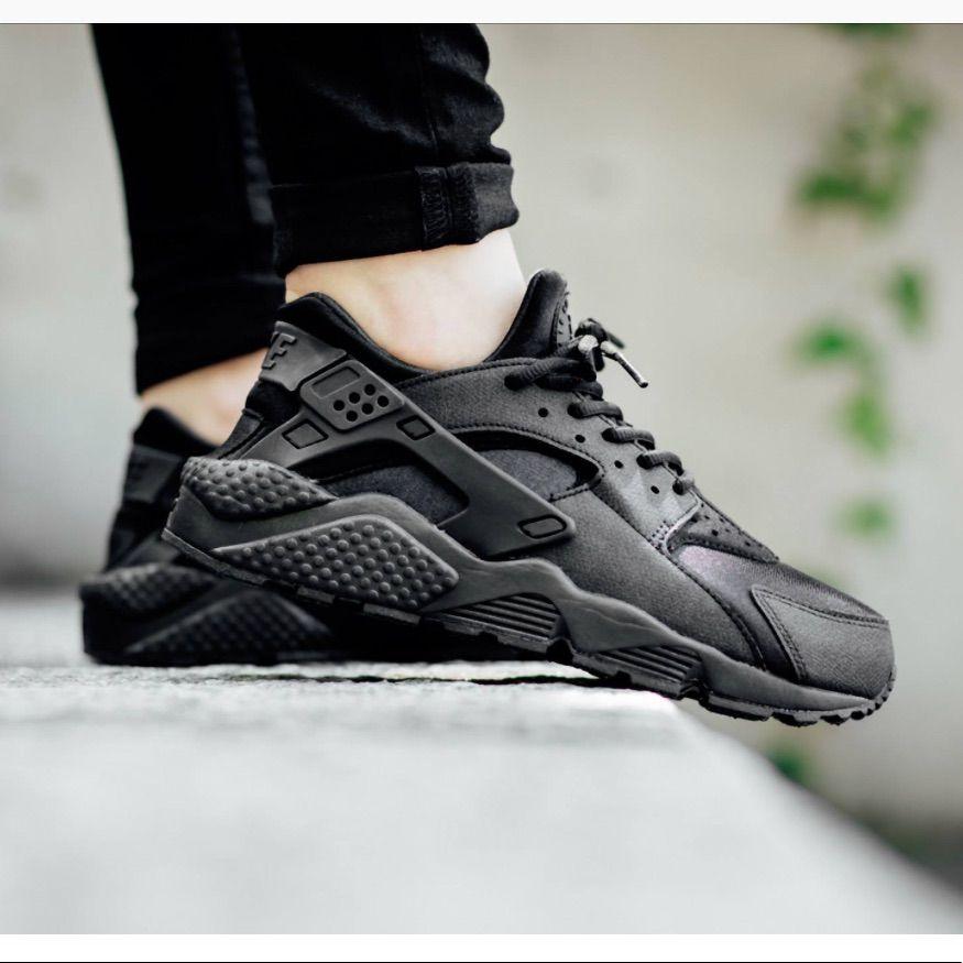 Nike Shoes | All Black Huaraches