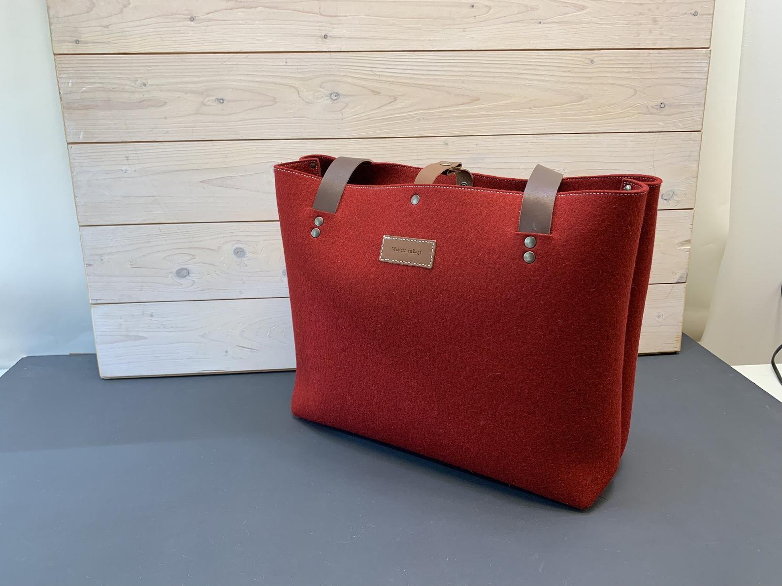 Felt Xl Bag Grift In Red With Leather Details Felt Tote Bag Felt Tote Felt Bag