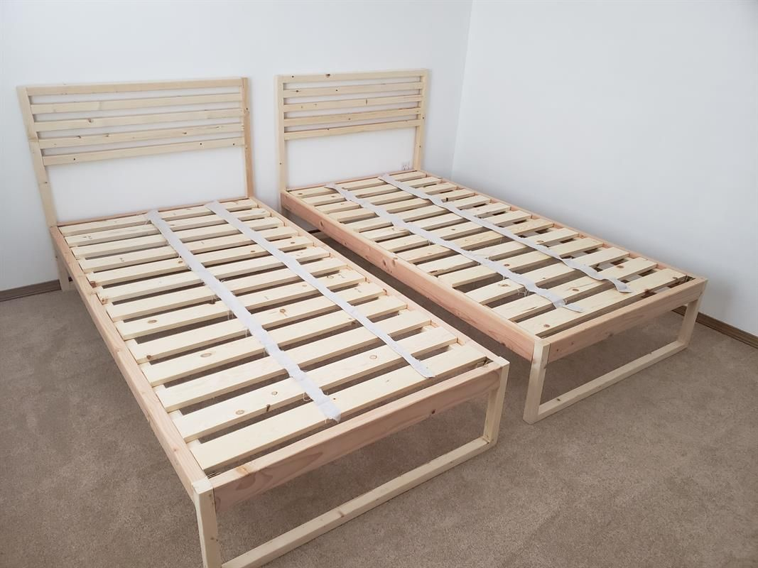 Diy Modern Twin Bed Buildsomething Com Modern Twin Beds Diy