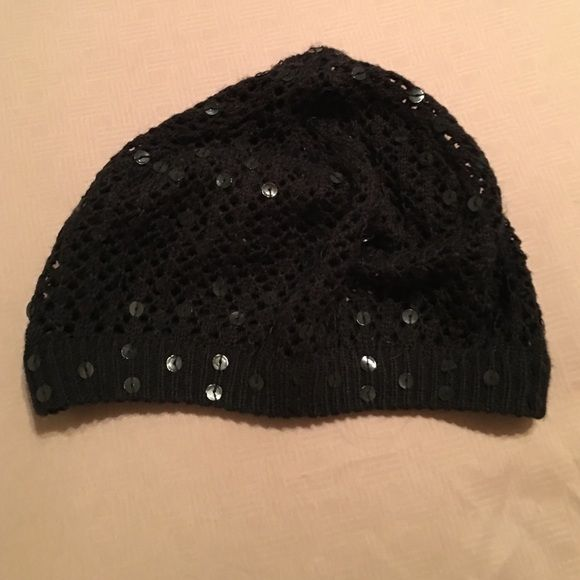 Beanie Black beanie with Sparkly sequence Other