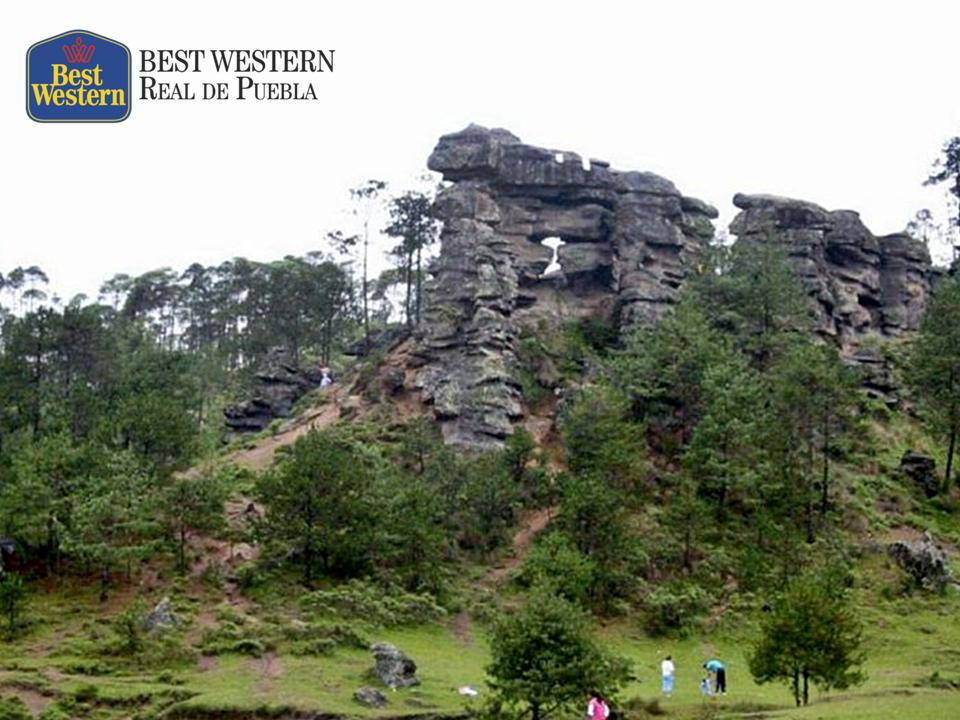 EL MEJOR HOTEL EN PUEBLA. Un buen lugar para disfrutar de las maravillas de la naturaleza y el deporte de aventura, es el Valle de Piedras Encimadas. El conjunto de formaciones rocosas de este lugar, nos ofrece un bello paisaje digno de contemplar mientras realiza una caminata o paseo en bicicleta. En Best Western Real de Puebla, le aseguramos que pasará momentos muy divertidos en este lugar. #bestwesternenpuebla