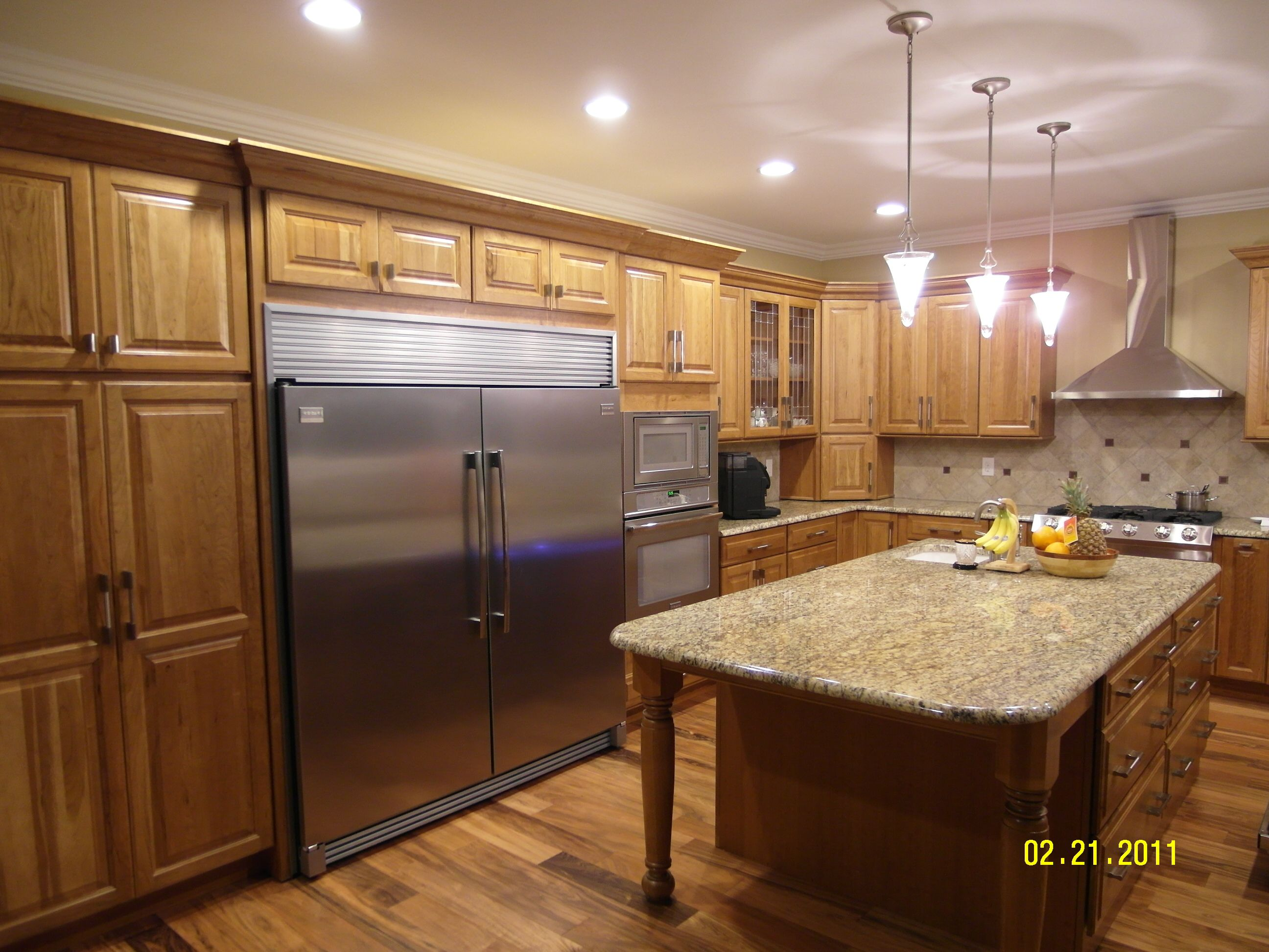 5 Quot Prefinished Patagonian Rosewood With Hickory Cabinets
