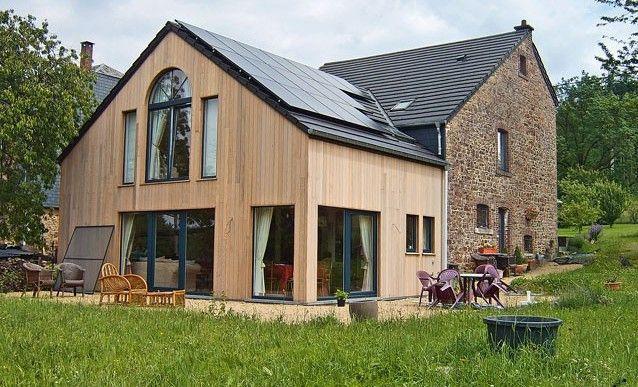 une grange r nov e et son extension en bois r paration r novation pinterest extension en. Black Bedroom Furniture Sets. Home Design Ideas