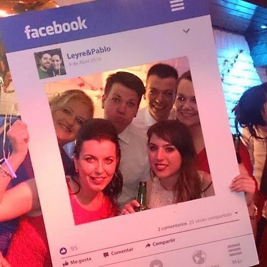 Marco de facebok para photocall para un evento o boda. + info: www.lawebdewoo.com/tienda