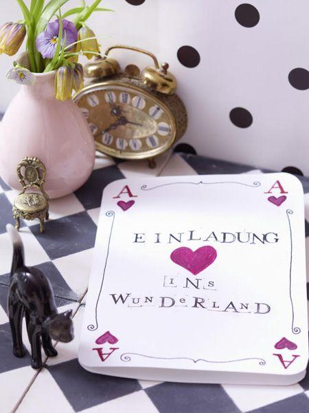 Farbenfrohe Tischdeko wie in Alice im Wunderland | Alice, Wonderland ...