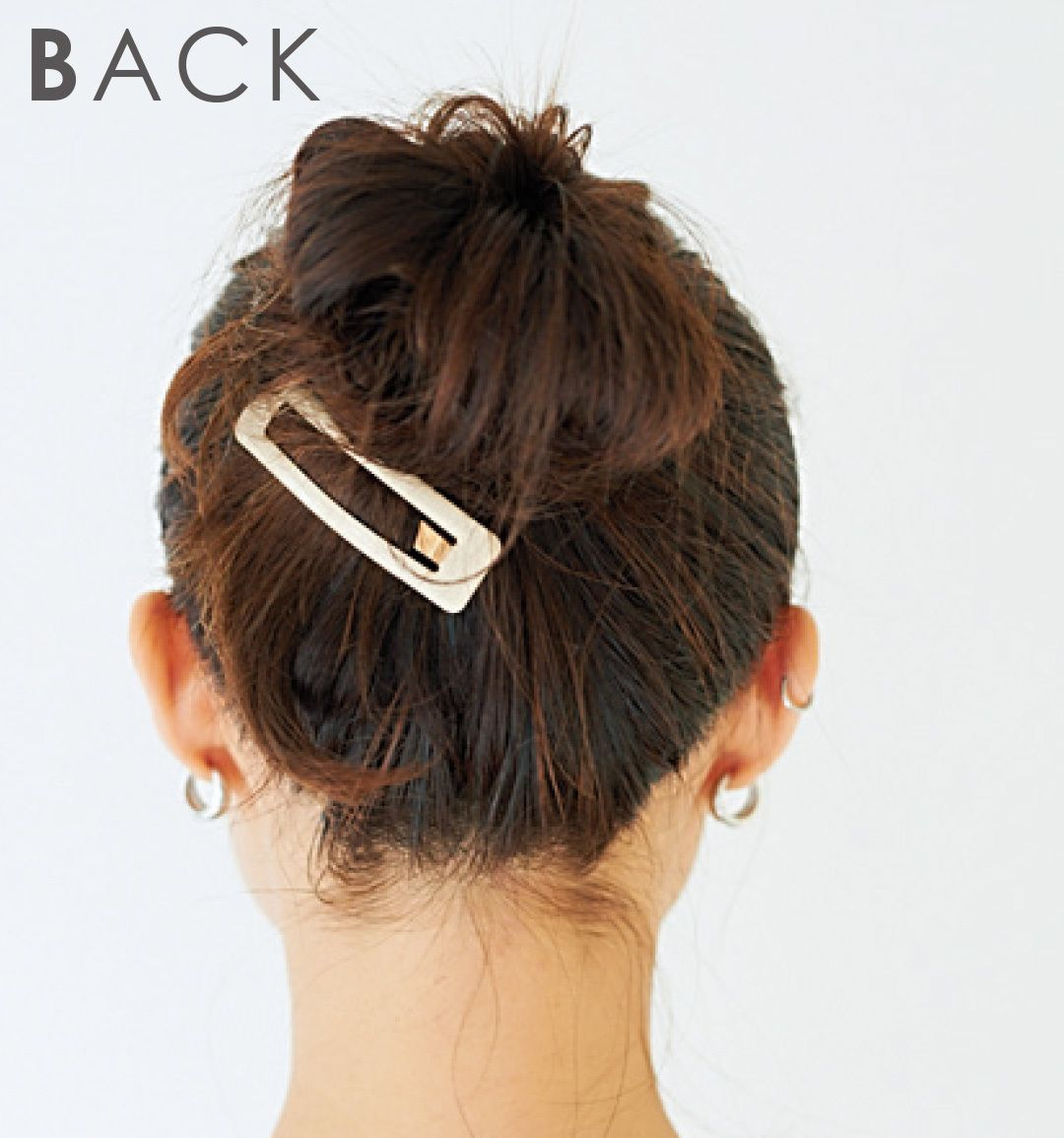 髪が多い 硬い クセ毛 そんな人に似合うおだんごヘアアレンジはこちら 美髪 ヘアスタイリング 髪が多い