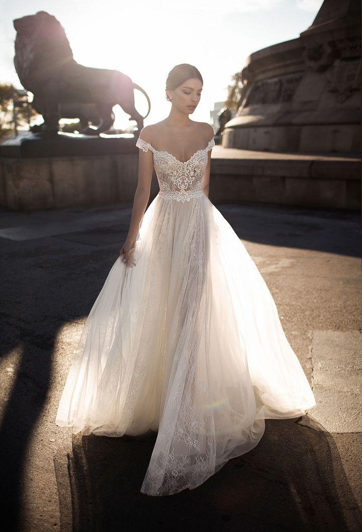 "Gali Karten 2017 Wedding Dresses ""Barcelona"" bridal collection | Itakeyou.co.uk #weddingdress #weddingdresses #bridaldress #bridalgown #laceweddingdress #bridaldress #weddinggown #uniquegown"