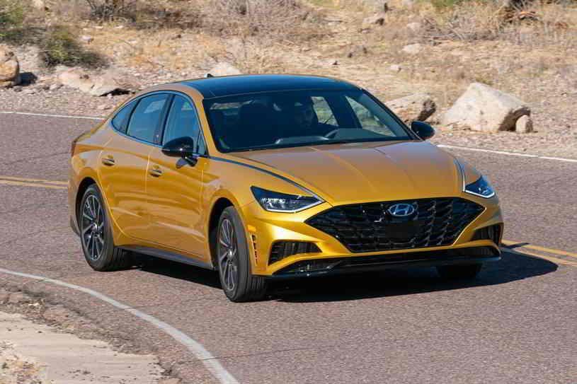 هيونداي سوناتا 2020 الجديدة التي أعيد تصميمها بالكامل تأتي بأحد أجمل التصميمات الداخلية في فئة السيارات السيدان مع قائمة طويلة من المميزات ا In 2020 Sport Cars Car Bmw