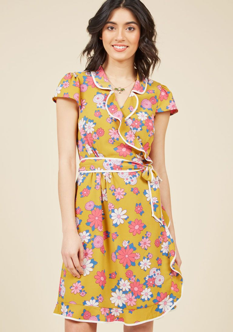 d85454a3eb Daytime Dapper Wrap Dress in Dandelion Vestidos Com Babados