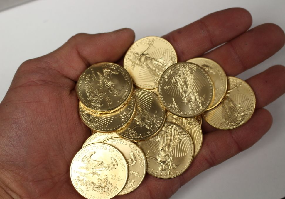 1 Oz Gold Coin American Gold Eagle Money Metals Exchange 1 Oz Gold Coin Gold Coins For Sale Gold Coins