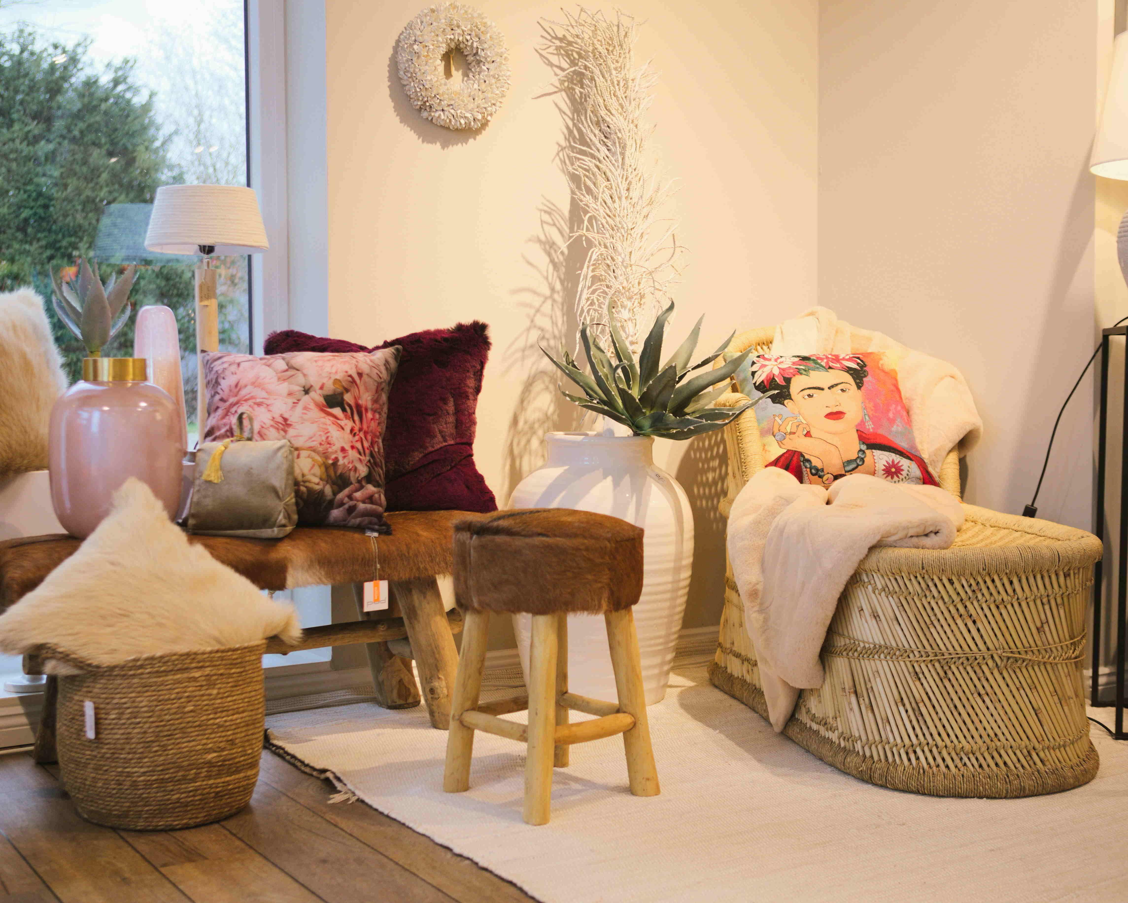 Gemütliche Inspiration Für Dein Wohnzimmer Bast Decor Home Decor Furniture