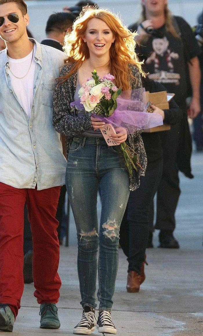 Bella Thorne in Skinny Destructed Jeans