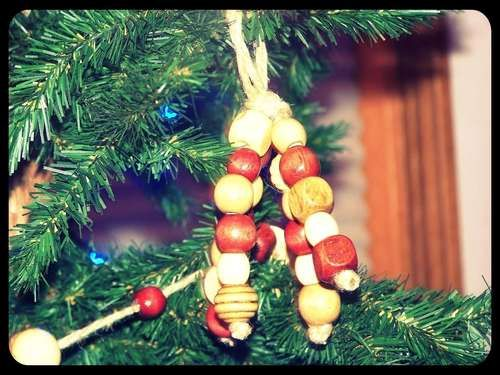 How to Make Wooden Bead Ornaments http://www.instructables.com