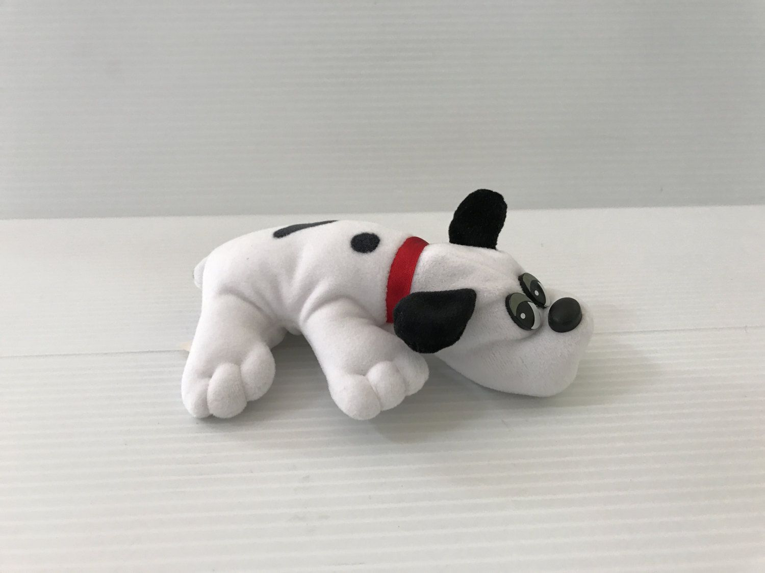 POUND PUPPY stuffed animal small Pound Puppy white Pound Puppy