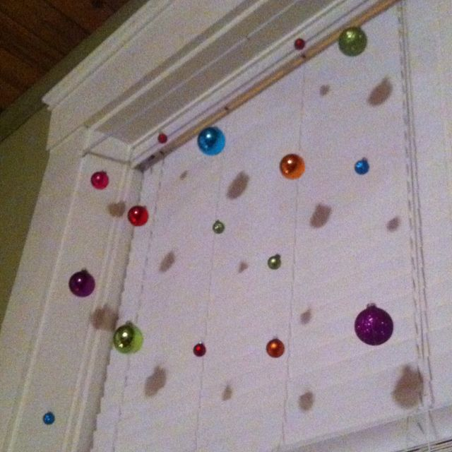 Cute way to decorate larger windows for the holidays!