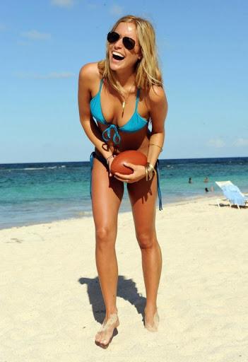 alina merkau bilder - Google Zoeken | The bikini, Bilder