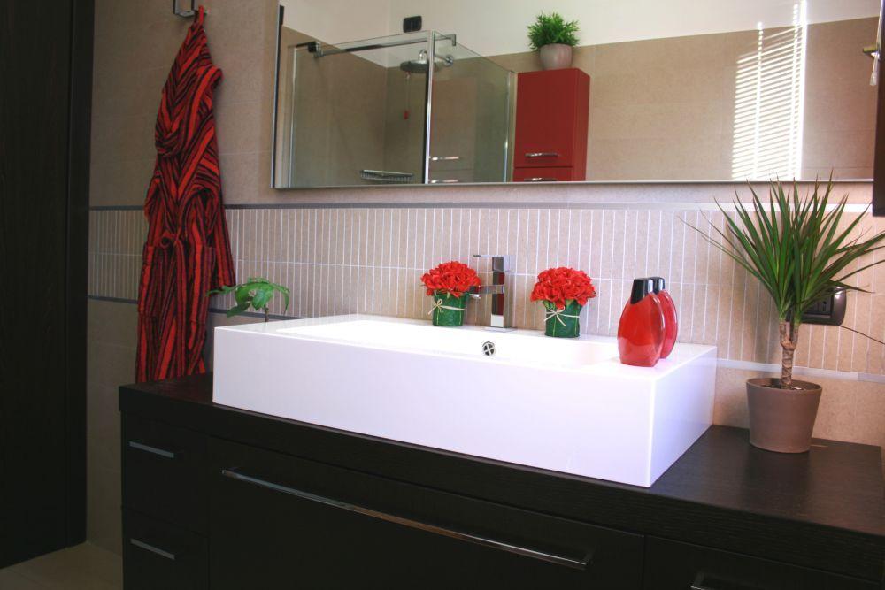 Dekoracja Lazienki Jakie Kwiaty Doniczkowe Wybrac Do Lazienki Lighted Bathroom Mirror Bathroom Mirror Bathroom Lighting