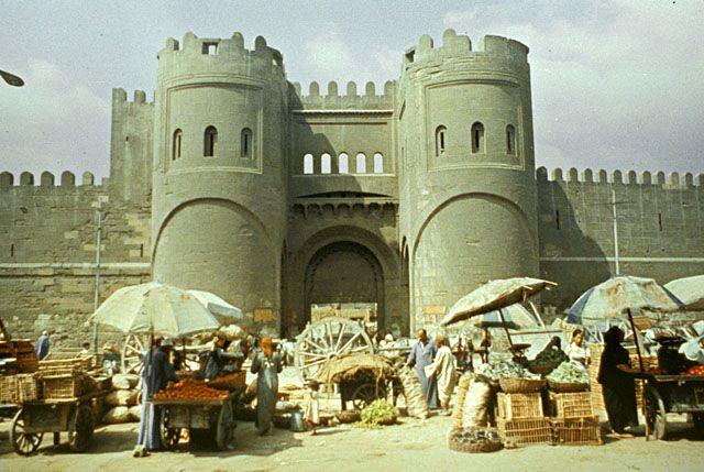 بالصور.. الأبواب الـ 19 للقاهرة القديمة
