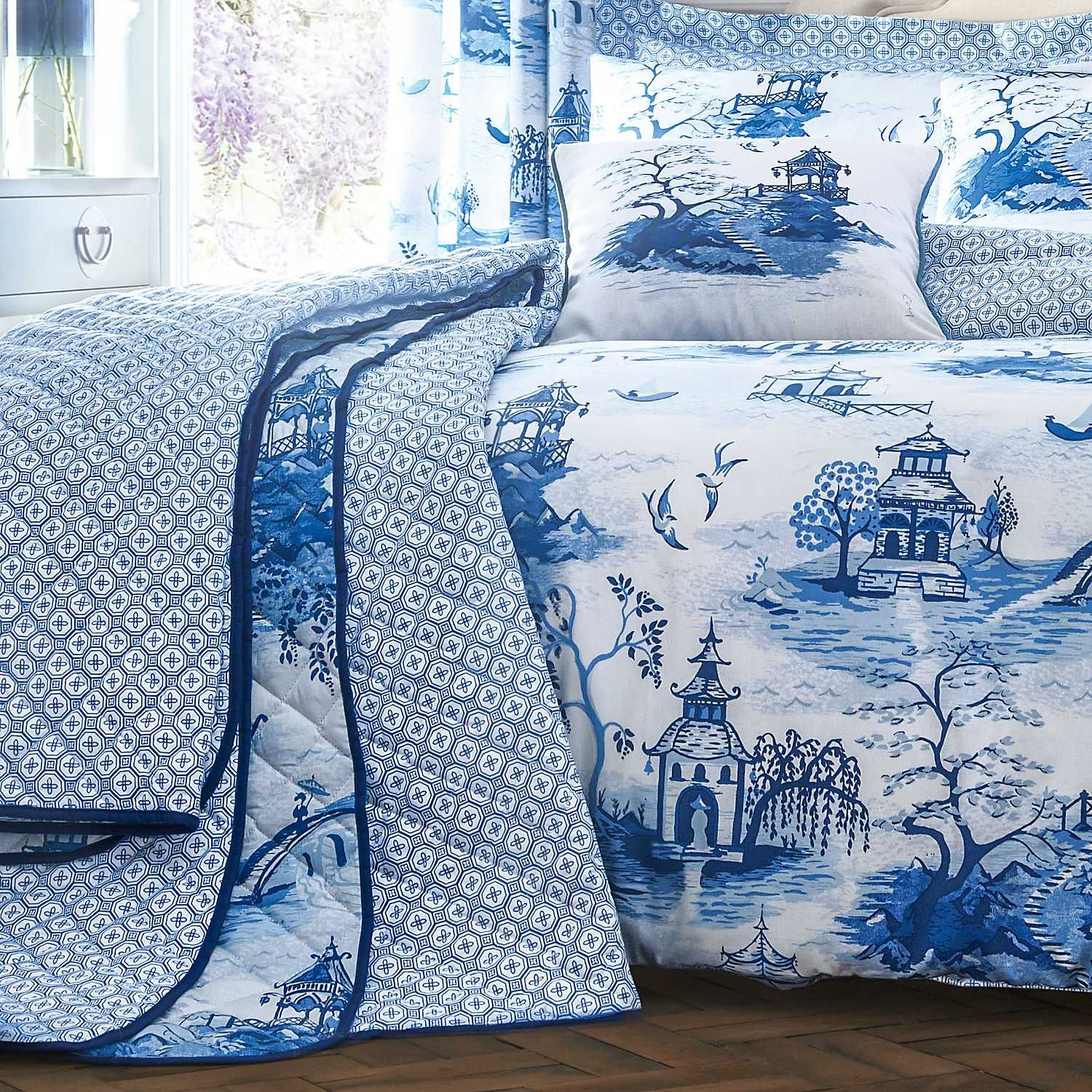 chinoiserie bedspread blue and