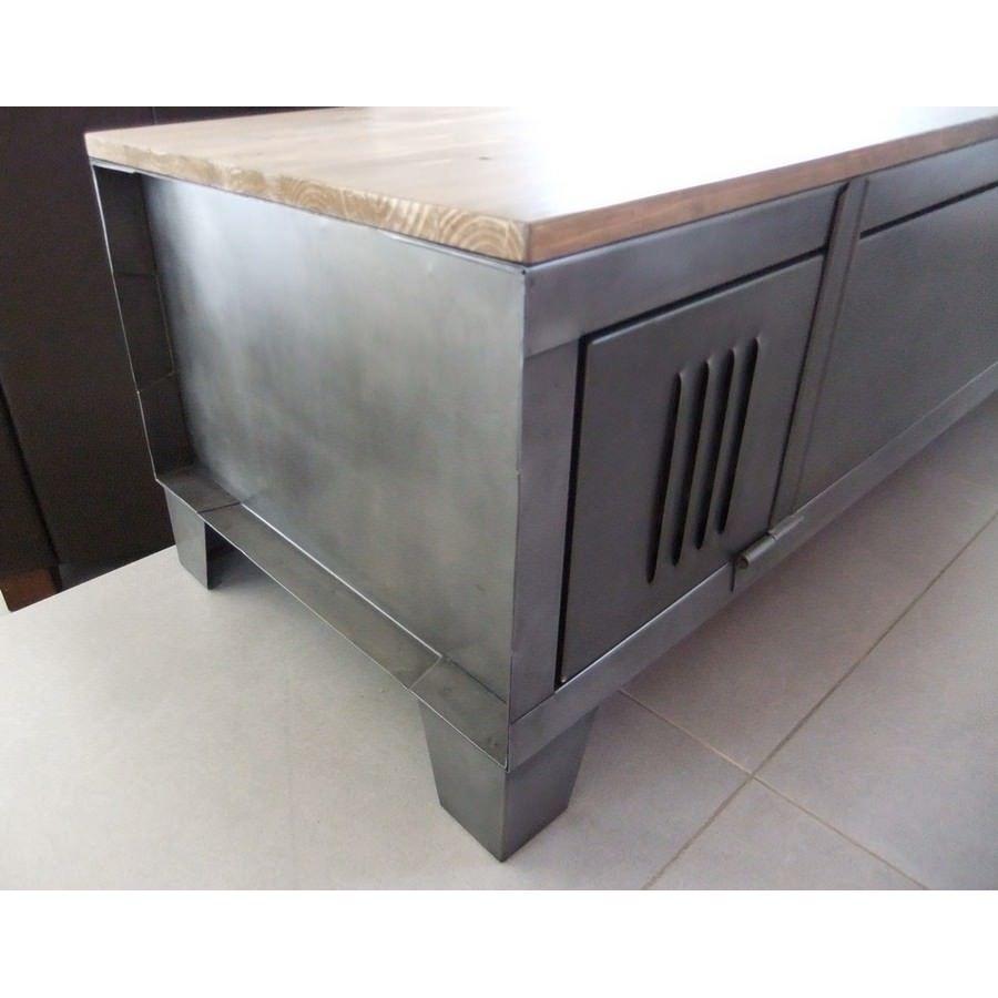 Restauration de mobilier industriel meuble restaur cr ation en 2018 pinterest meuble - Restauration meuble industriel ...