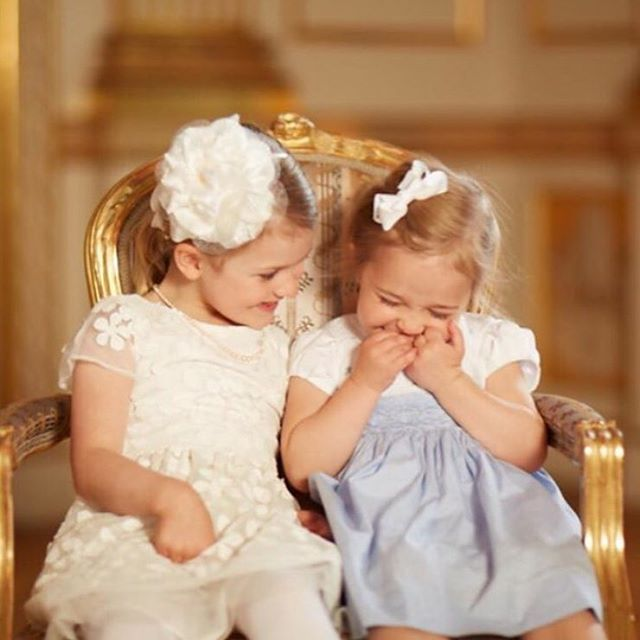 Nya bilder pa prinsessan estelle