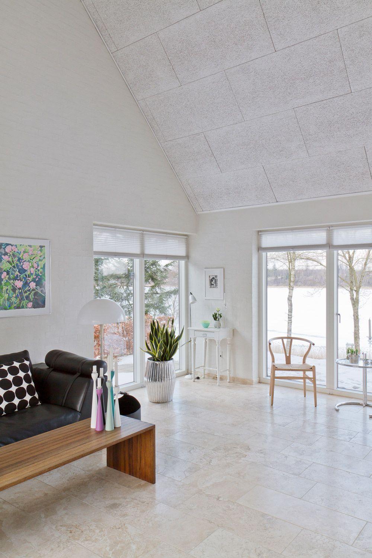 Inspiration: Akustikdecke in Haus mit offener Dachkonstruktion