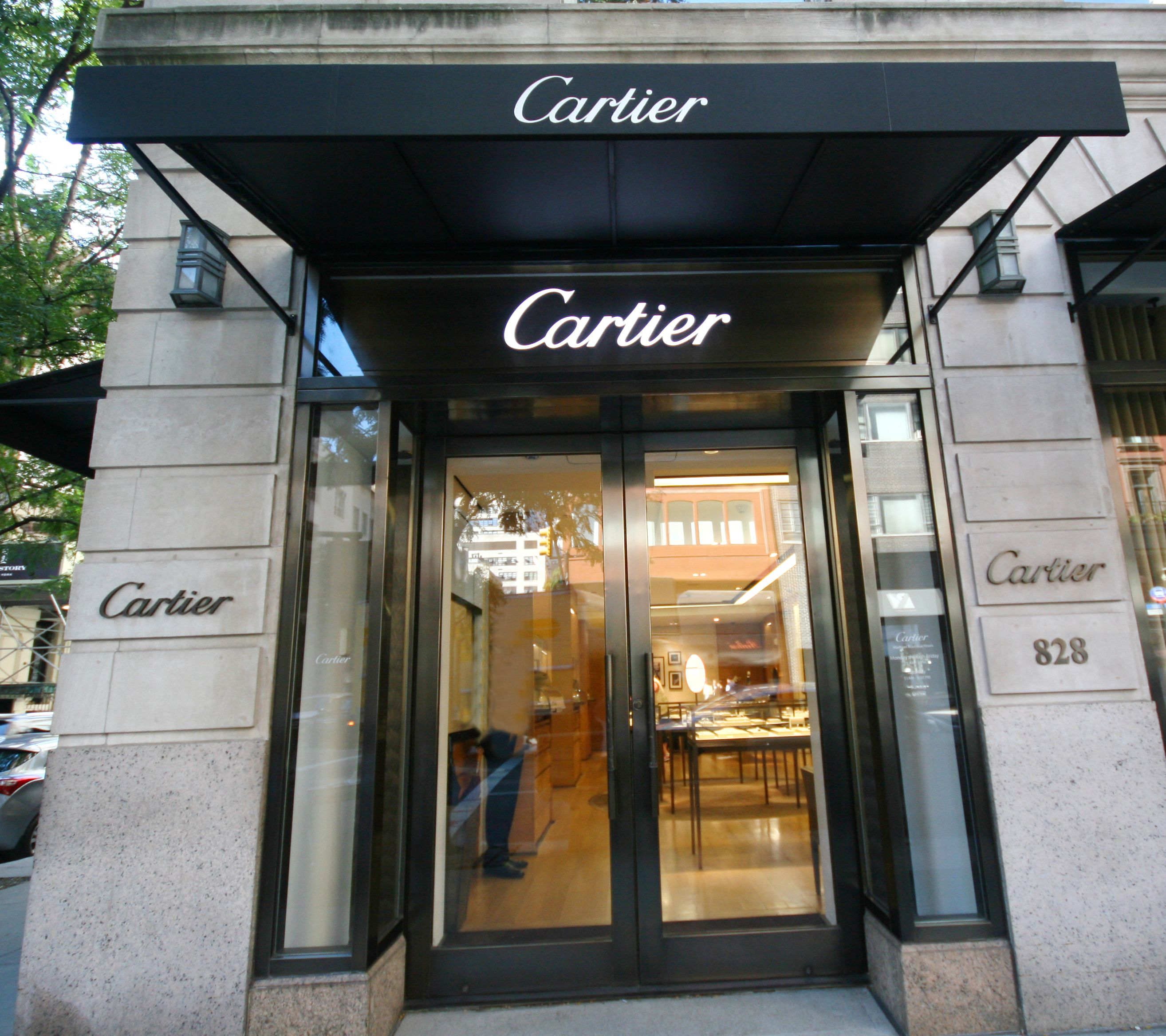 New Awnings Look For Cartiers On 69th Street And Madison Avenue NYC