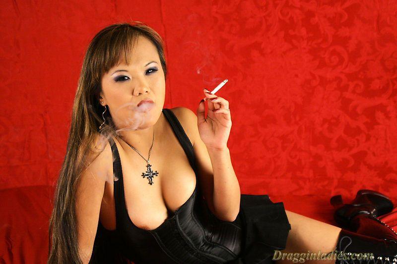 Mia Smiles Dragginladies Com Smoking Fetish Smokingfetish Use Coupon Code