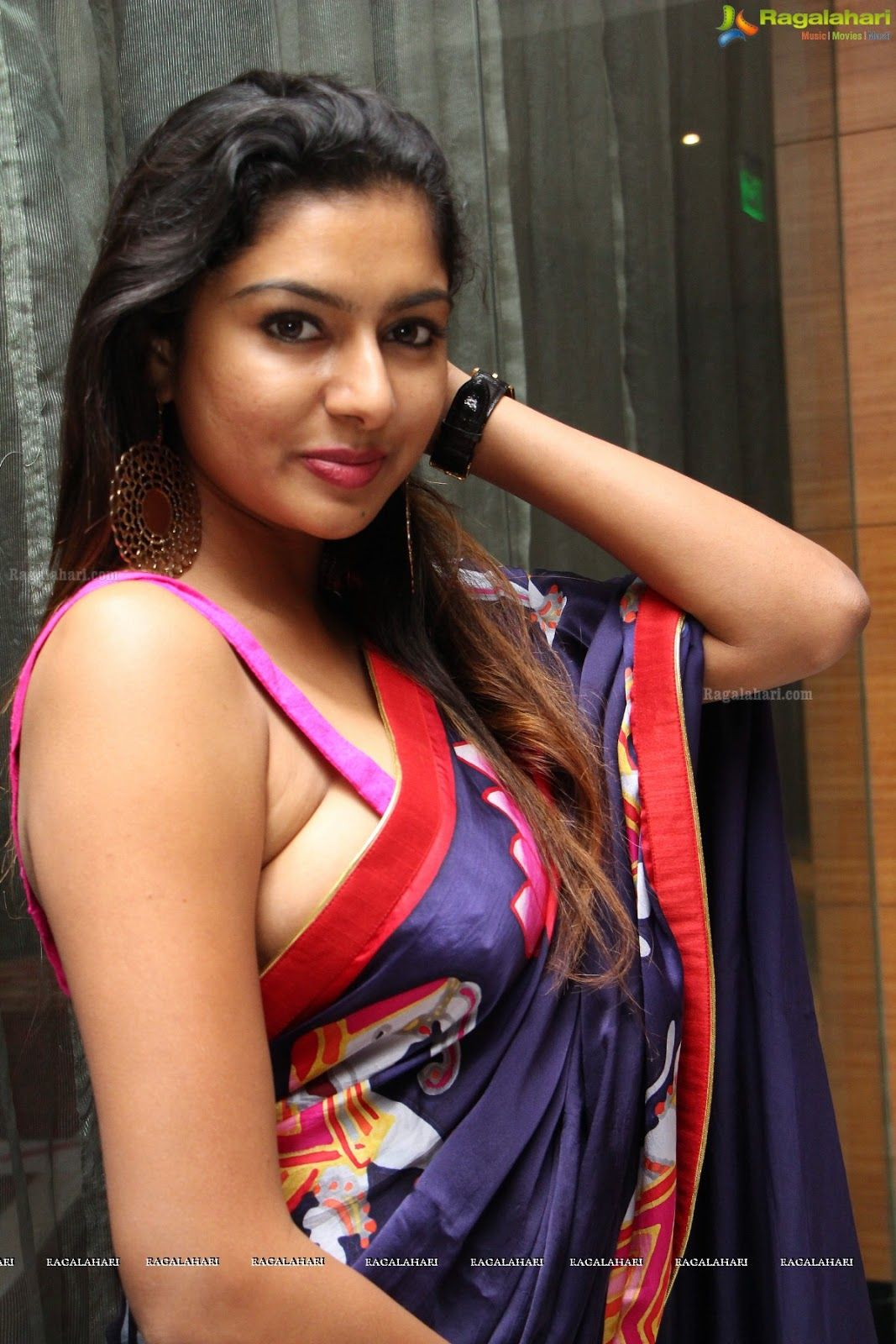 armpit actress photo: akshatha spicy armpit show without bra side