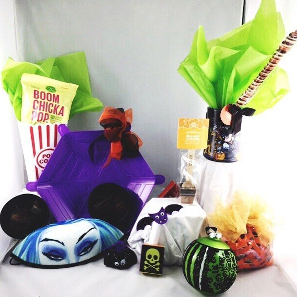Good morning happy haunts!  Our new Halloween Basket will go on the website today - isn't it spooktacular?! If you are a Disney TA and would like to order one before they go live please send me a DM ASAP!