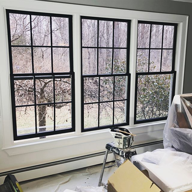 Paint Sleek And Modern Black Windows Are One Of My Favorite Current Design Trends However Cost Black Window Trims Interior Window Trim Interior Windows