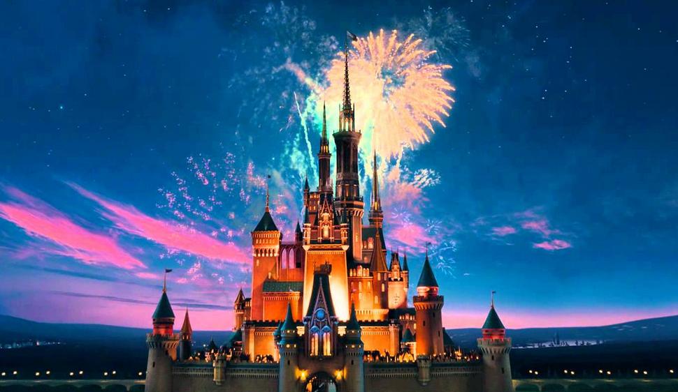 Pourquoi le logo Disney est absent de Star Wars: Le Réveil de la Force   News   Premiere.fr