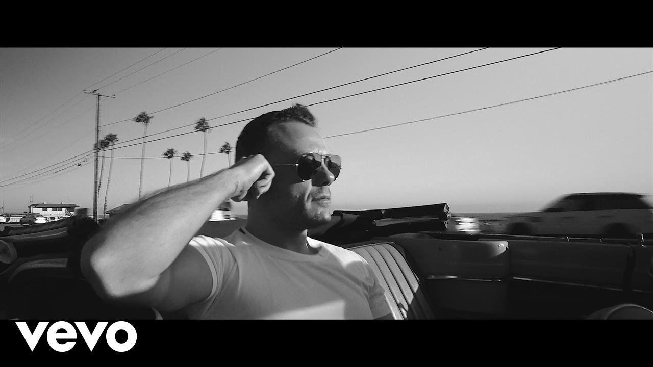 Tiziano Ferro Potremmo Ritornare Backstage On The Beach Video Video Musicali Ferro Video